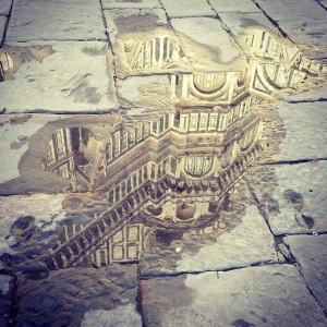 il Duomo riflesso in una pozza d'acqua, Courtesy Opera di Santa Maria del Fiore