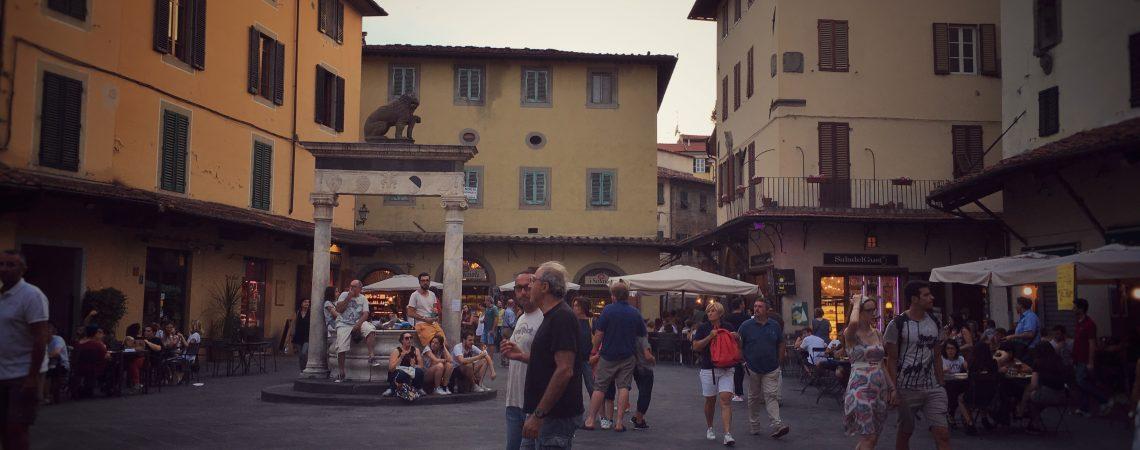 Pistoia, Piazza della Sala