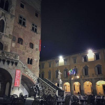 Palazzo Pretorio visto da Piazza del Comune